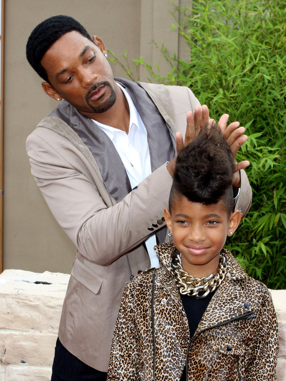 WILLOW SMITH LOOKS FREAKIN' FANTASTIC FOR CR FASHION BOOK ...  Willow Smith And Princeton Kissing