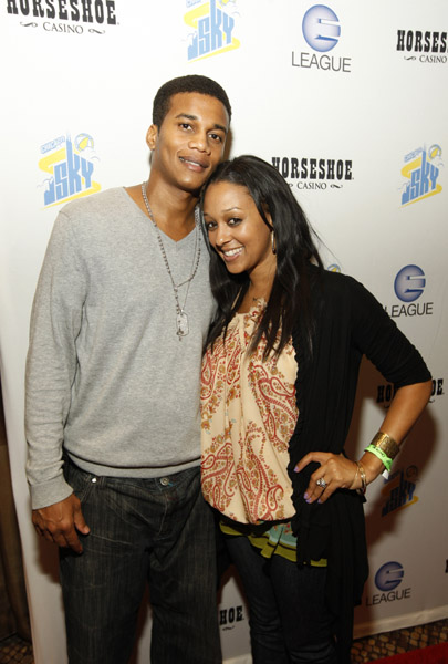 tia mowry husband. Tia Mowry amp; Husband Share