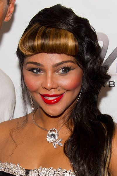 lil kim hairstyles. Lil Kim was spotted rocking a