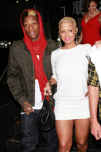amber rose and wiz khalifa in paris. Everyone is all up in Amber