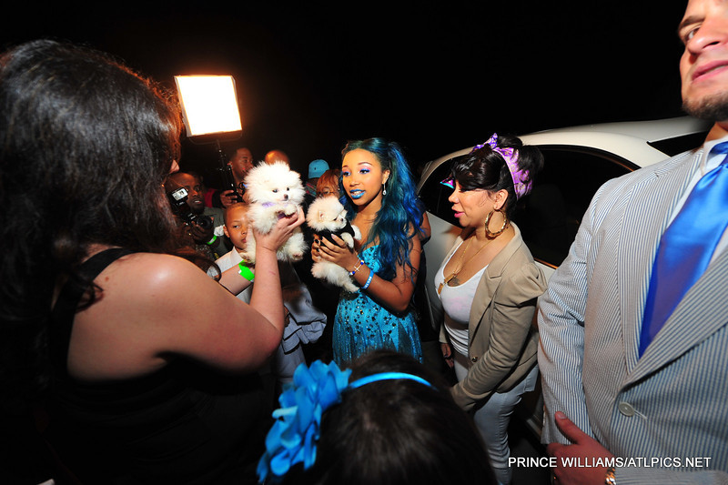 Photos T I Amp Tiny Gift Daughter Zonnique With Porsche