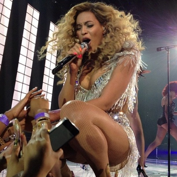 [Video] Beyonce Returns To Revel With Whitney Houston Tribute Lauryn Hillu0026#39;s U0026#39;Ex-Factoru0026#39; U0026 More ...