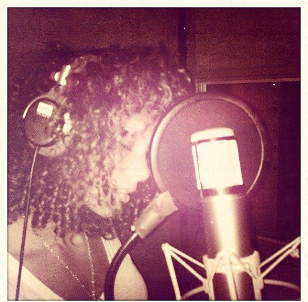 Alicia Keys Hits Studio, Jennifer Hudson Hits GMA & More Celeb Stalking