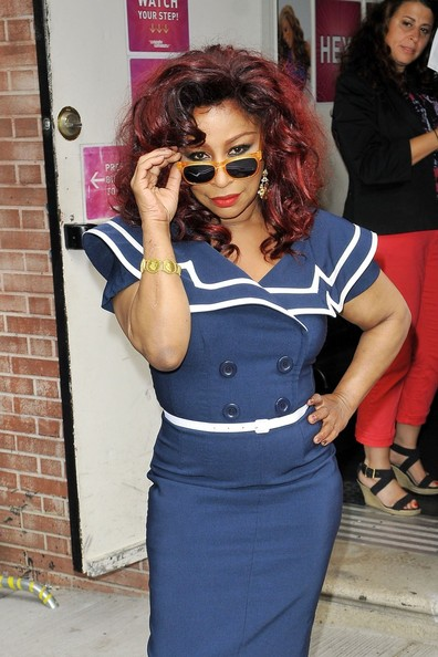 Chaka Khan Shows Off Girlish Figure, Rocks Sailor Inspired Dress