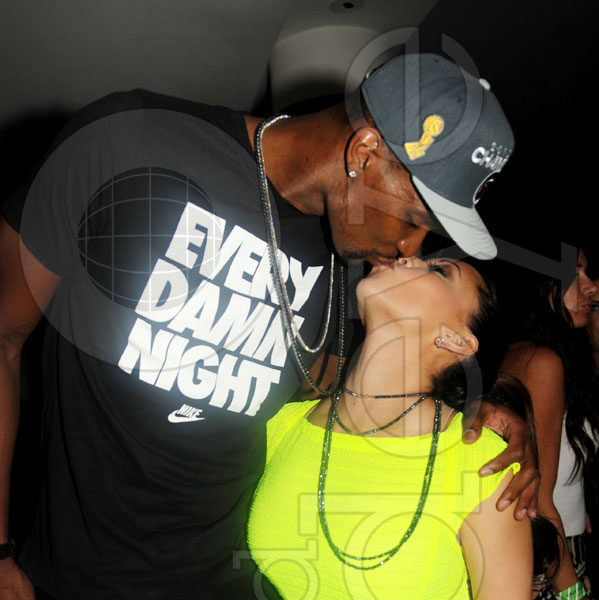 [Video & Pix] Lebron James, D. Wade, Gabrielle Union & Friends Party @ Liv After Championship