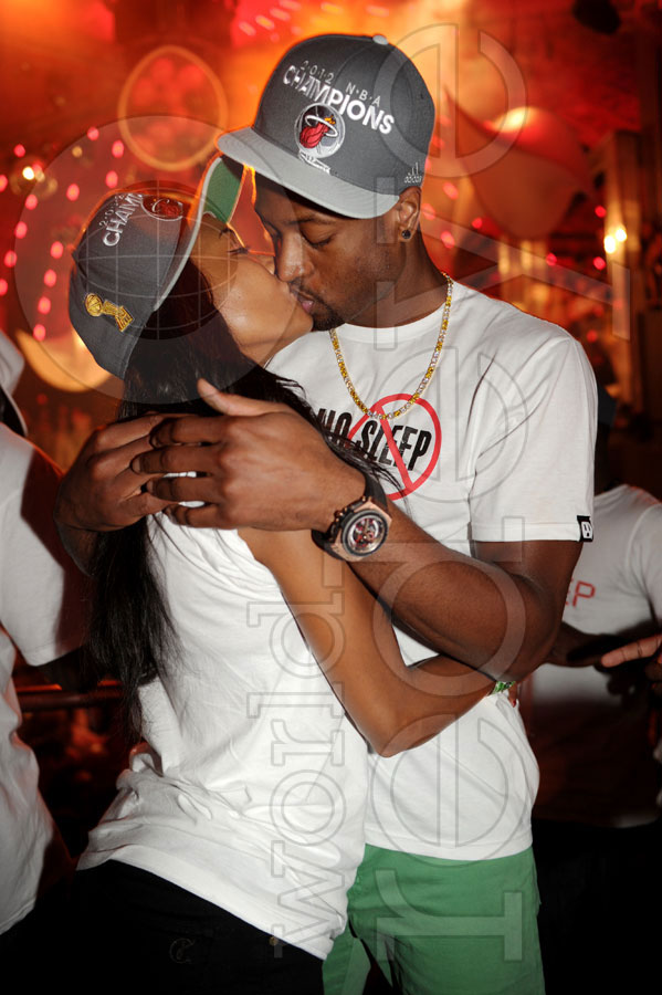 dwade-gabrielle union-kiss-nba champion-liv-the jasmine brand