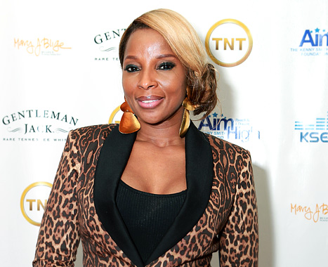 [EXCLUSIVE] Mary J. Blige Accused Of Owing 1.9 MILLION Dollars Over Bank Loan