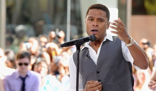 Vocal Swelling, Hemorrhaging Cause Singer Maxwell to Cancel Show