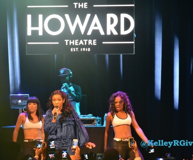 [Audio] Brandy Dishes On Two Eleven, The Fuss Around Beyonce's Box Braids & Her Wedding Day