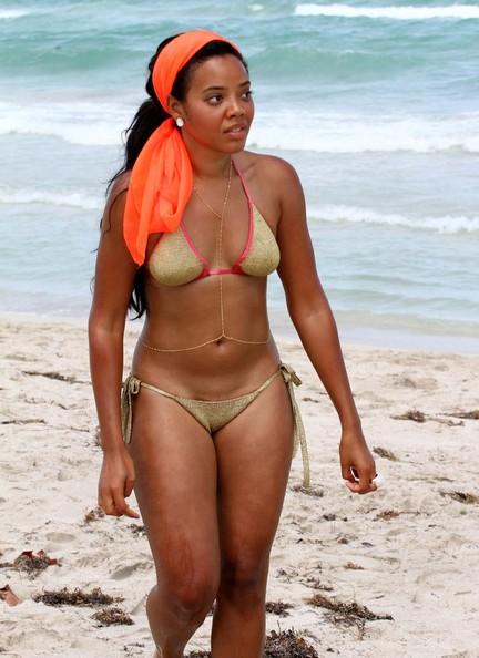 Angela Simmons Brings Body Chain Amp Bikini To South Beach