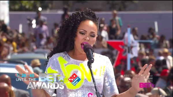[Candids] Elle Varner, Common, Rick Ross & Friends Hit #BETAwards Preshow