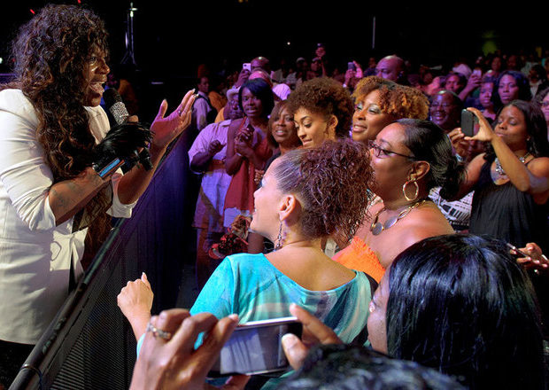 [Video] Fantasia Tells Public To Mind Their Business + Takes #Essence to Church