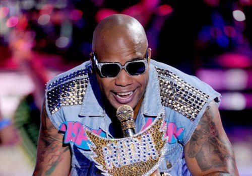 [Video] Flo Rida Performs 'Whistle' on Teen Choice Awards