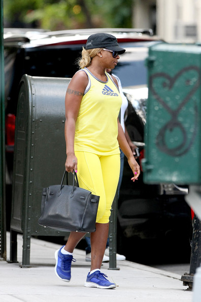 Ciara's Boot Game, Mary J. Blige's Work-Out Gear + The Smith's Arrive at the Clear Port