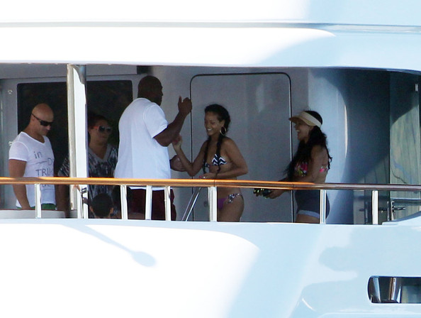All-Rich-People-Are-Friends : Magic Johnson Visits Rihanna's Saint Tropez Yacht