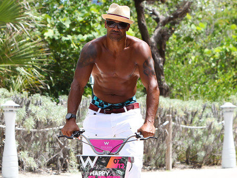 A Chest Naked Shemar Moore Bike Rides + RHOA's Marlo Hampton Dines in Beverly Hills