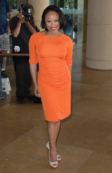 Black Don't Crack : Actress Lynn Whitfield Goes Orange @ TCA's