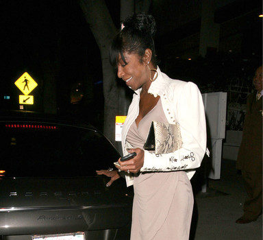 An Extremely Thin, But Glam Natalie Cole Dines In West Hollywood