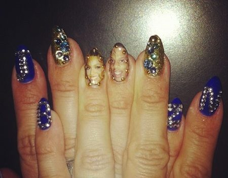 Haute Or Hot A** Mess : A Beyonce Fan Paints Bey & Jay-Z On Her Nails