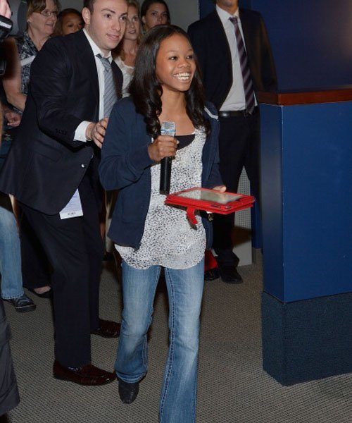 [Photos] Gabby Douglas Inspires At 'Citi Field Kids Program'