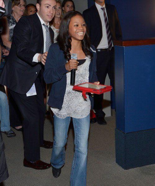 [Photos] Gabby Douglas Inspires At 'Citi Field Kids Program'