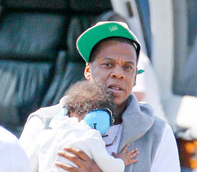 Jay-Z Takes Daughter, Blue Ivy On Helicopter Ride