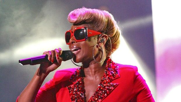 Mary J. Blige Hits Philly in Form Fitting Red Romper