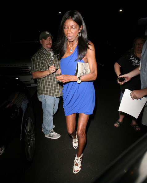 [Photos] Natalie Cole Looks Shockingly Thin, Is She Okay?