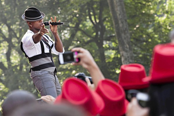 [Video] NeYo Performs On 'Good Morning America'