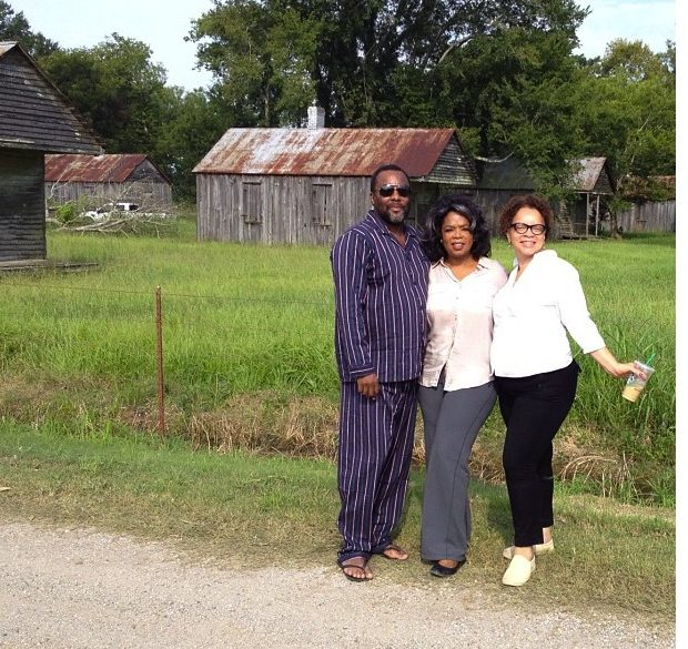 Behind-The-Scenes : Oprah Winfrey Rocks Vintage Tracksuit for 'The Butler'