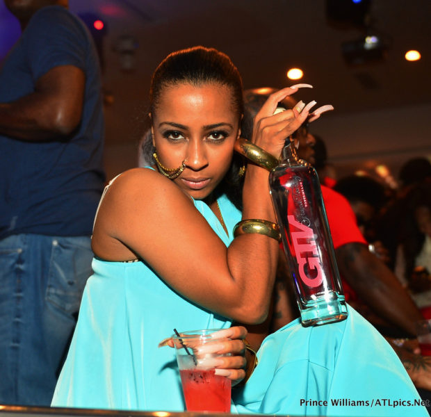[Photos] Birdman, Shanell, Bow Wow & Friends Pop Bottles, Literally