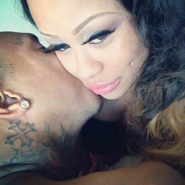 Tyga and his pregnant girlfriend blac chyna get affectionate for the