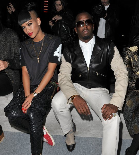 Cassie Pops Slick On Twitter, Defends Relationship With Diddy