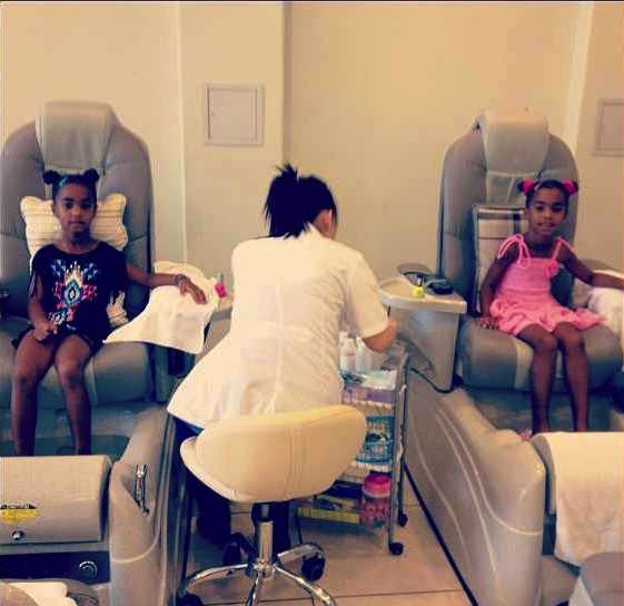Diddy Gives Twins Spa Day, Kimora Lee Simmons Takes Girls Shopping + More Celeb Spoiling
