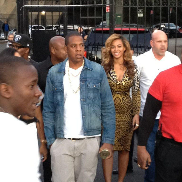 Jay-Z Wears Two Chains, Beyonce Wears Leopard to LA Marina