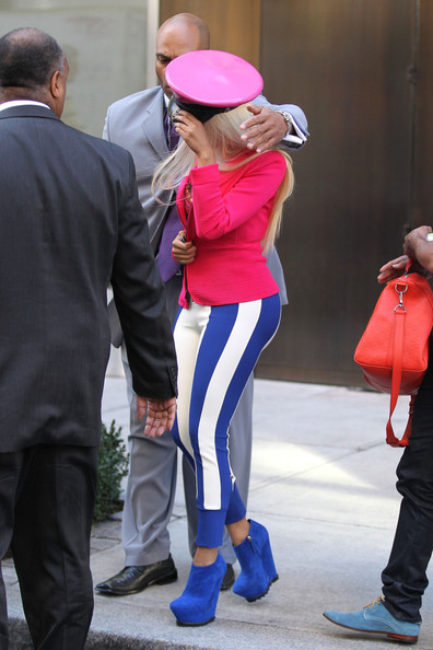 Stylin'-On-You-Hoes: Nicki Minaj Serves Girls & Color in NYC