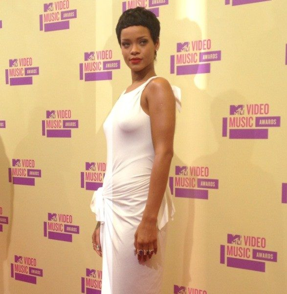 Stylin-On-You-Hoes : Celebs Get Glam On MTV VMA Red Carpet