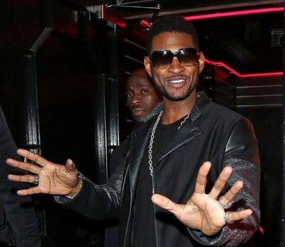 Usher Smiles for the Camera, Tyra Banks Poses with Fellow Scholars, Rihanna Kicks it With Jermaine Dupri & More Celebrity Stalking