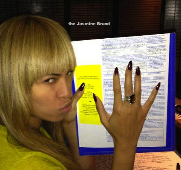 Is it REALLY Illegal for Beyonce to Show Her Election Ballot? Check the Facts!