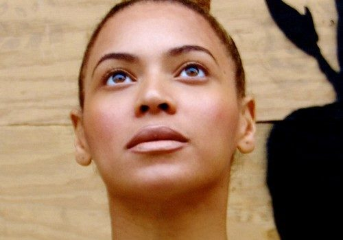 Beyonce Removes Make-Up, Unleashes More Personal Stan Photos