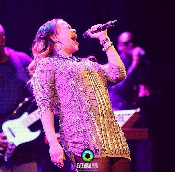 [Video] Faith Evans Pulls DC Fans On Stage, For Soulful Performance