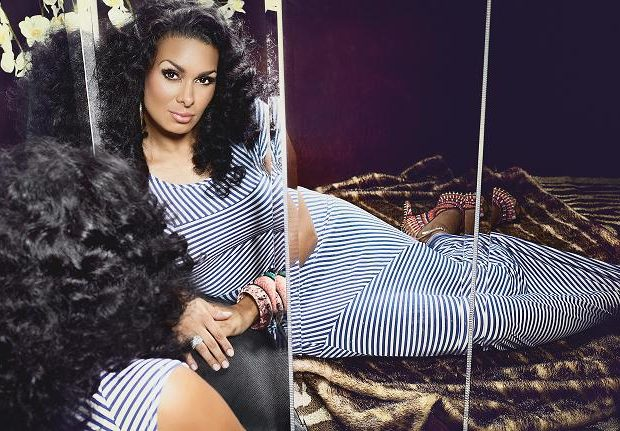Laura Govan Covers KONTROL Mag + Tweets About Female Dogs, Ramen Noodles & Such