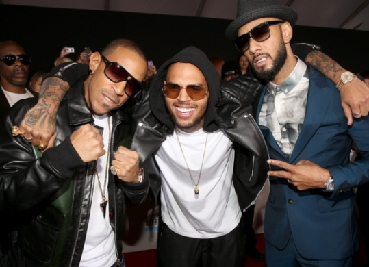 [Video] Swizz Beatz, Ludacris & Chris Brown Perform 'Everyday Birthday' at the AMA's