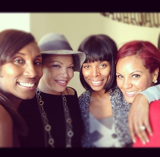 Lala Vacays in the Bahamas, Actress Tasha Smith Chills w/ Girlfriends + Tamar Braxton On Set