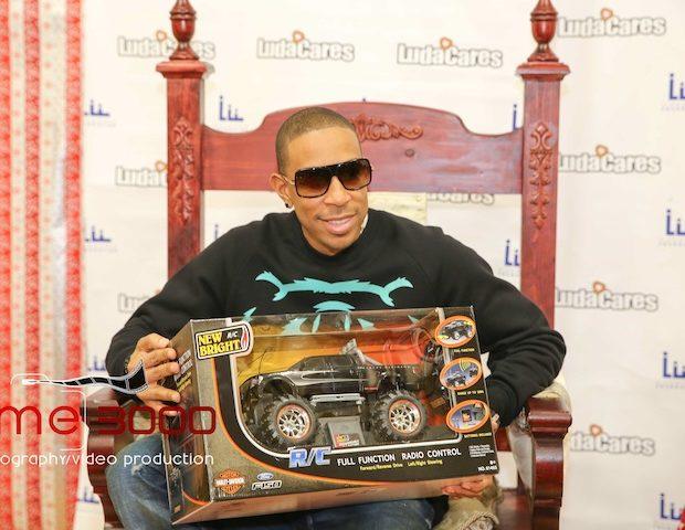 Ludacris Spreads Holiday Cheer, Donates Toys & Clothes to Atlanta City Youth