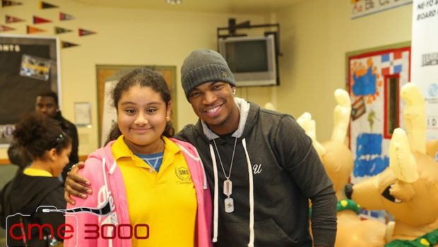 [Photos] Ne-Yo Gives Back to Atlanta Foster Care Children