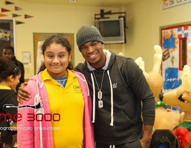 [Photos] Ne-Yo Gives Back to Atlanta Foster Care Children