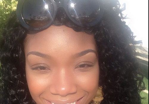 Brandy Remains Quiet About Engagement, Shows Off Hawaii Vacay Photos