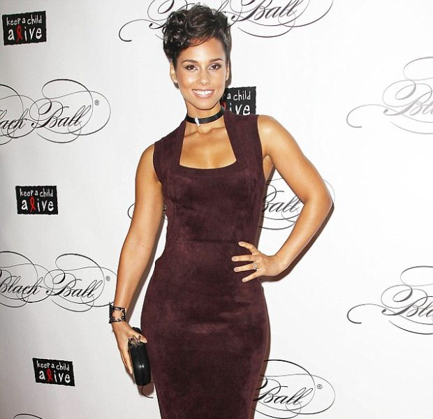 Alicia Keys Honors Oprah Winfrey, Raises $1.3 Million at 'Keep A Child Alive' Black Ball