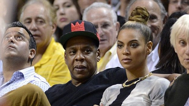 [Photos] Beyonce, Jay-Z Spiked Out at Heat-Hawks Game